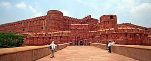 sightseeing-at-agra